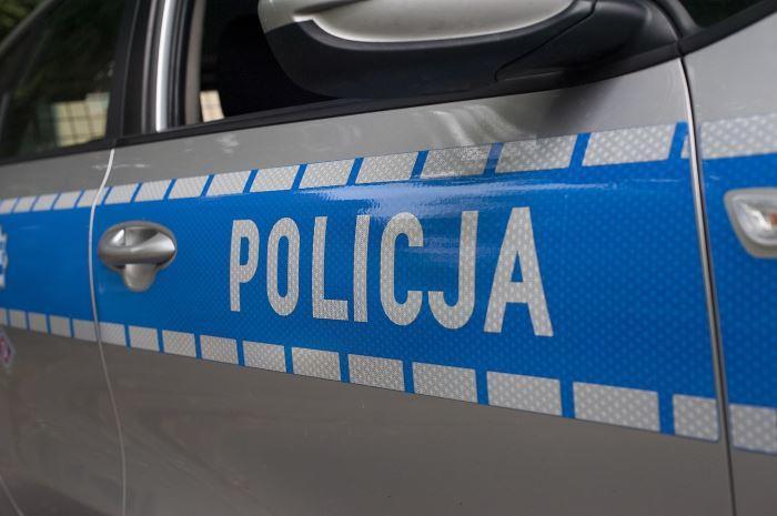 Policja Ostrów Wlkp.: Jechał w obszarze zabudowanym ponad 140km/h.